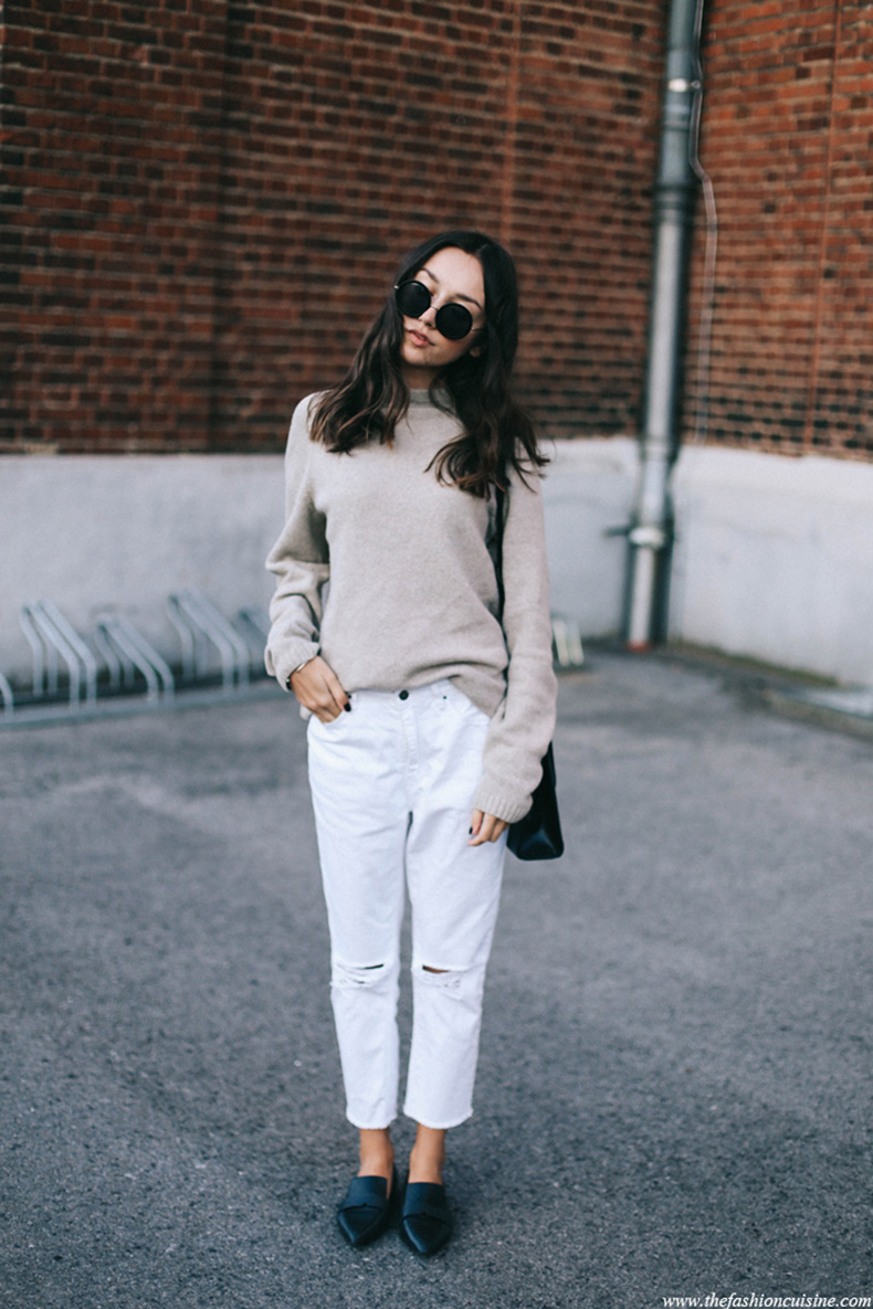 fall-look-zara-beige-oversized-sweater-missguided-white-cropped-ripped-jeans-mango-pointed-loafers
