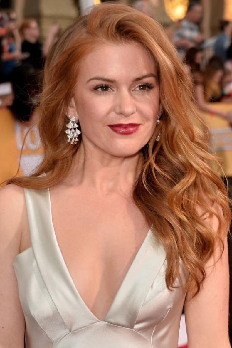 hbz-strawberry-blonde-isla-fisher