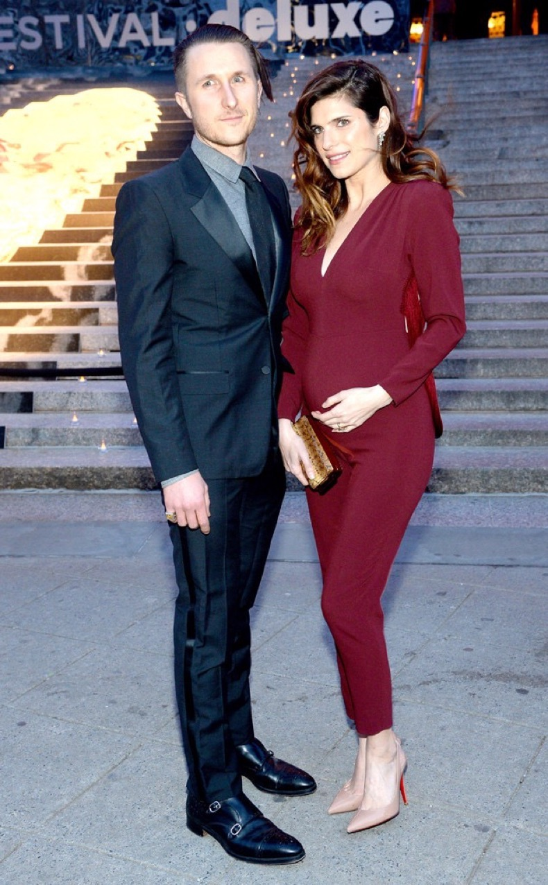 rs_634x1024-140423182403-634.Scott-Campbell-Lake-Bell-Pregnant.ms.042314