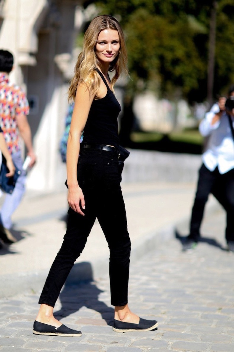 Outfits Con Jeans Y Flats Azules