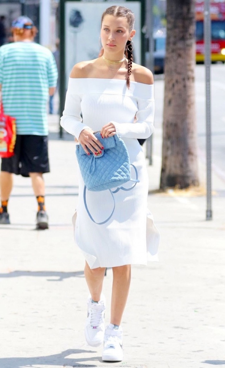 bella-hadid-shows-us-how-to-wear-off-the-shoulder-into-fall-1859508-1470349965-640x0c