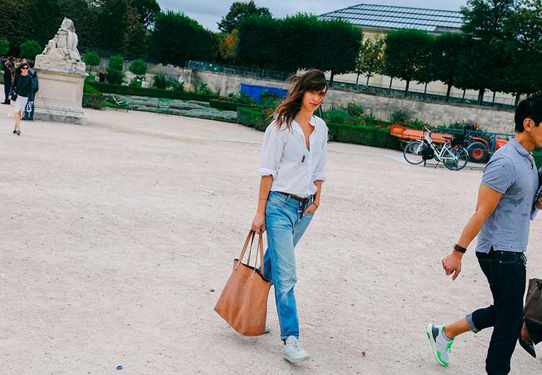 04-pfw-ss17-street-style-day-23