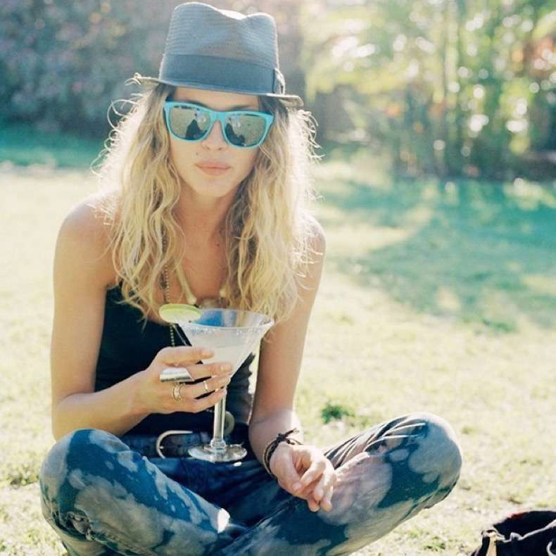 7-things-that-happen-to-your-body-when-you-stop-drinking-alcohol-1808246-1466108098-640x0c