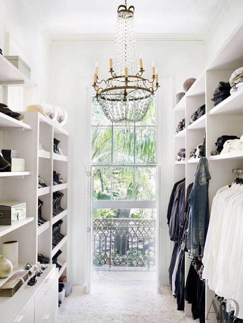 mydomaine-closets-chandelier-white-cococozy