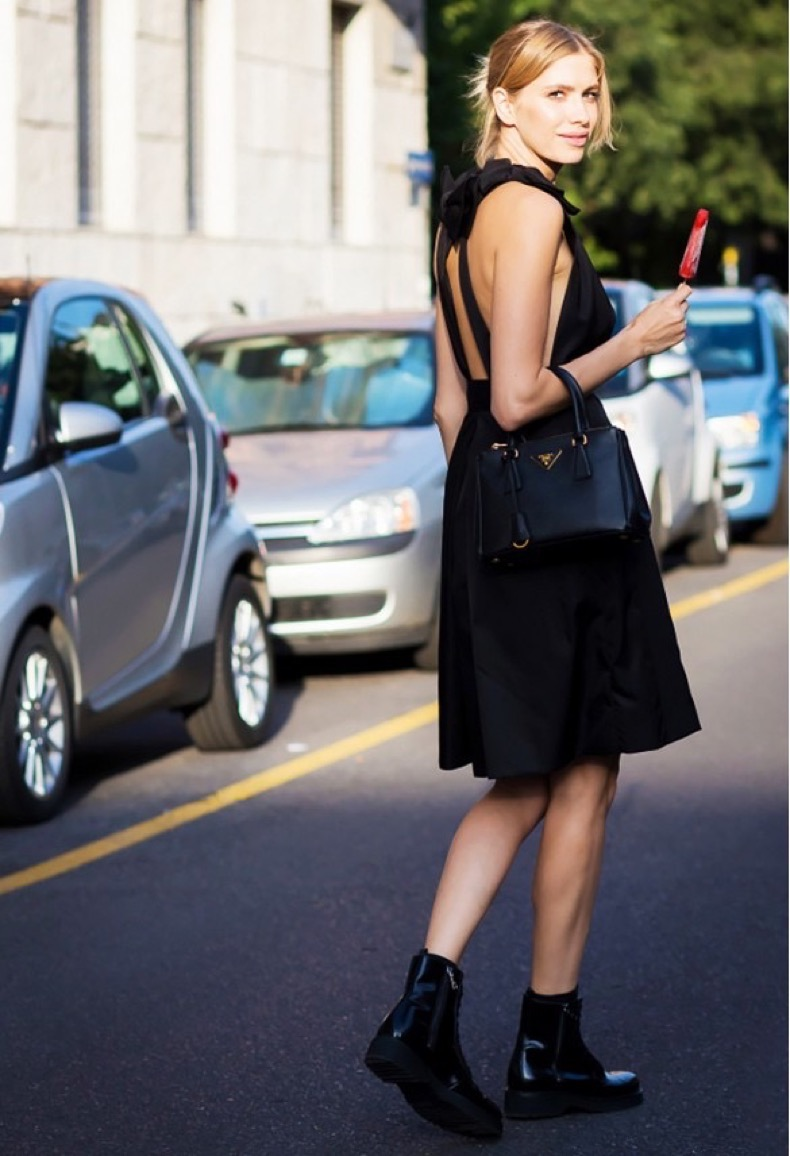 lbd-black-dress-date-night-going-out-party-black-booties-summer-booties-chelsea-boots-via-style-du-monde
