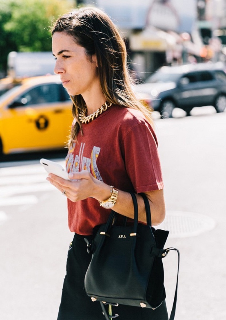 the-shirt-trend-that-will-definitely-be-around-in-2017-1983476-1479492582-600x0c