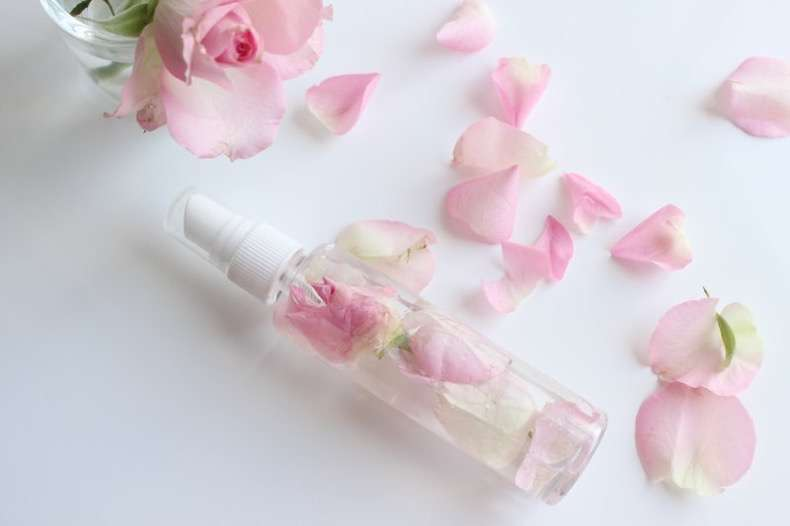 diy-rose-water-facial-mist